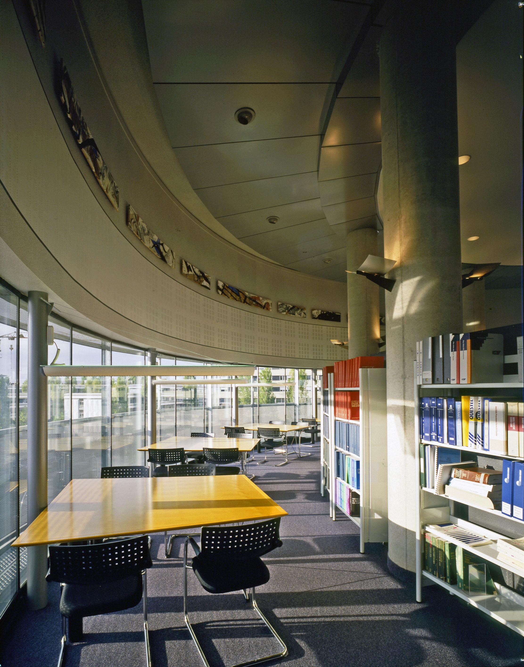 Extension intérieure Bibliothèque universitaire médecine
